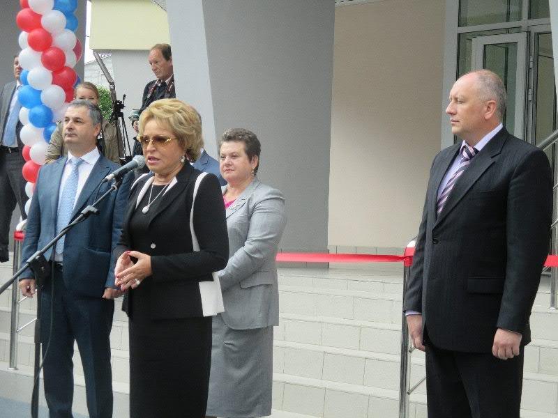 Валентина Матвиенко во время своего визита во Владимирскую область заявила о том, что Совет Федерации будет оказывать всяческую помощь нашему региону.