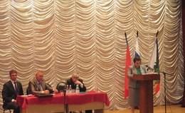 Врио губернатора Светлана Орлова отметила, что визит в Радужный – «первая встреча, где люди не озлоблены на местную власть».